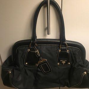 💯Authentic Prada Handbag